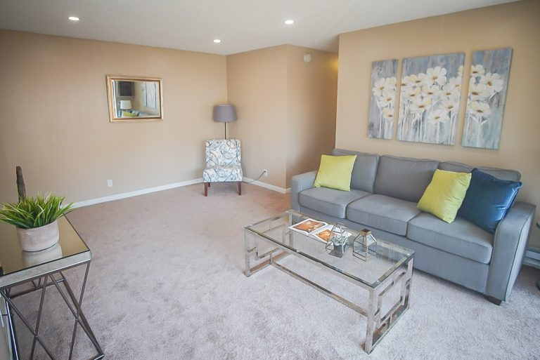 Get cozy in our 2 bed 2 bath apartments!